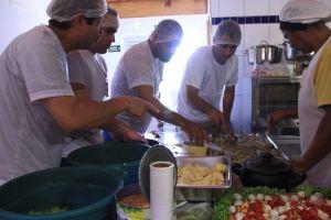 08 - supervisores cozinhando
